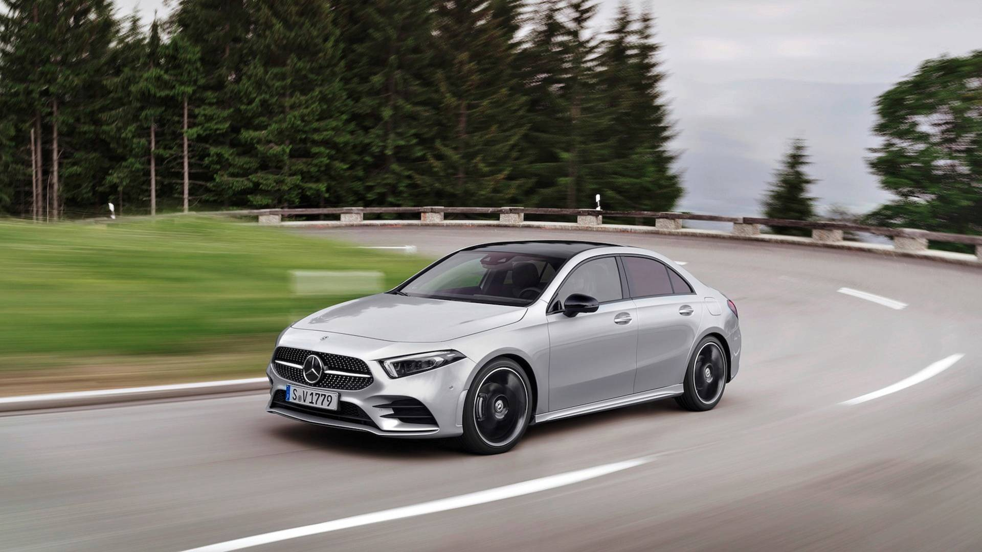 Mercedes-Benz A klase sedan startovao sa prodajom u Evropi (GALERIJA)
