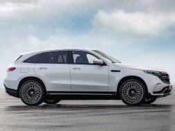 Mercedes-Benz-EQC-2020-1600-0d