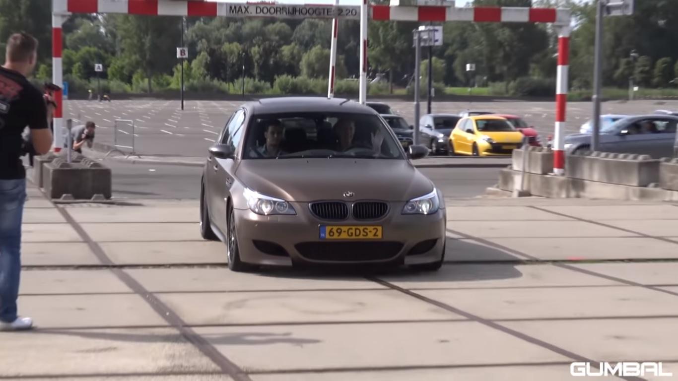 Poslušajte kako reži BMW E60 M5 sa V10 motorom! (video)