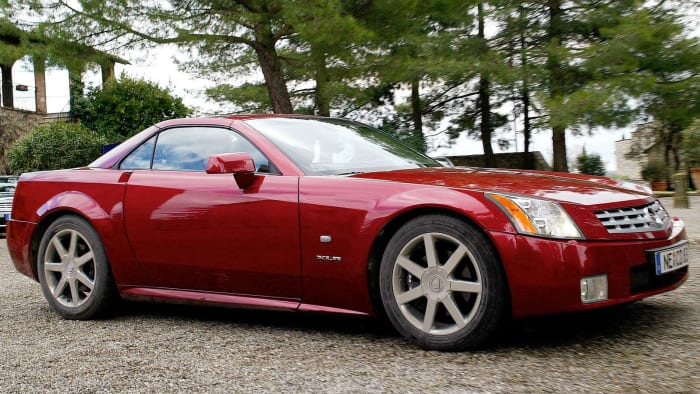 Ostao zarobljen skoro 14 sati u Cadillacu XLR