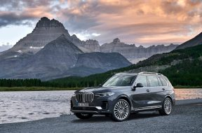 2020-bmw-x7-g07-goes-official-with-7-seats-and-gigantic-kidney-grilles_31