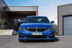 BMW-3-Series-2019-1600-2a