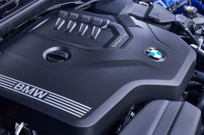 BMW-3-Series-2019-1600-5c