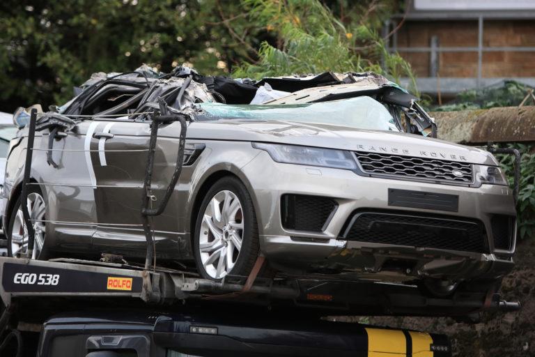 """Više skupocenih Range Rovera i Jaguar """"obezglavljeni"""" tokom nesrećnog transporta (Video)"""