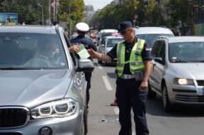 Saobracajna-policija-kontrola-luksuznih-vozila-7-670×4271