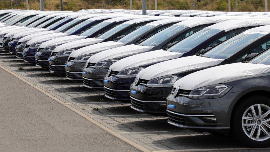 Pad prodaje automobila u Nemačkoj nastavljen i u novembru