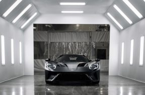 the-first-road-going-ford-gt-has-rolled-off-the-line_0