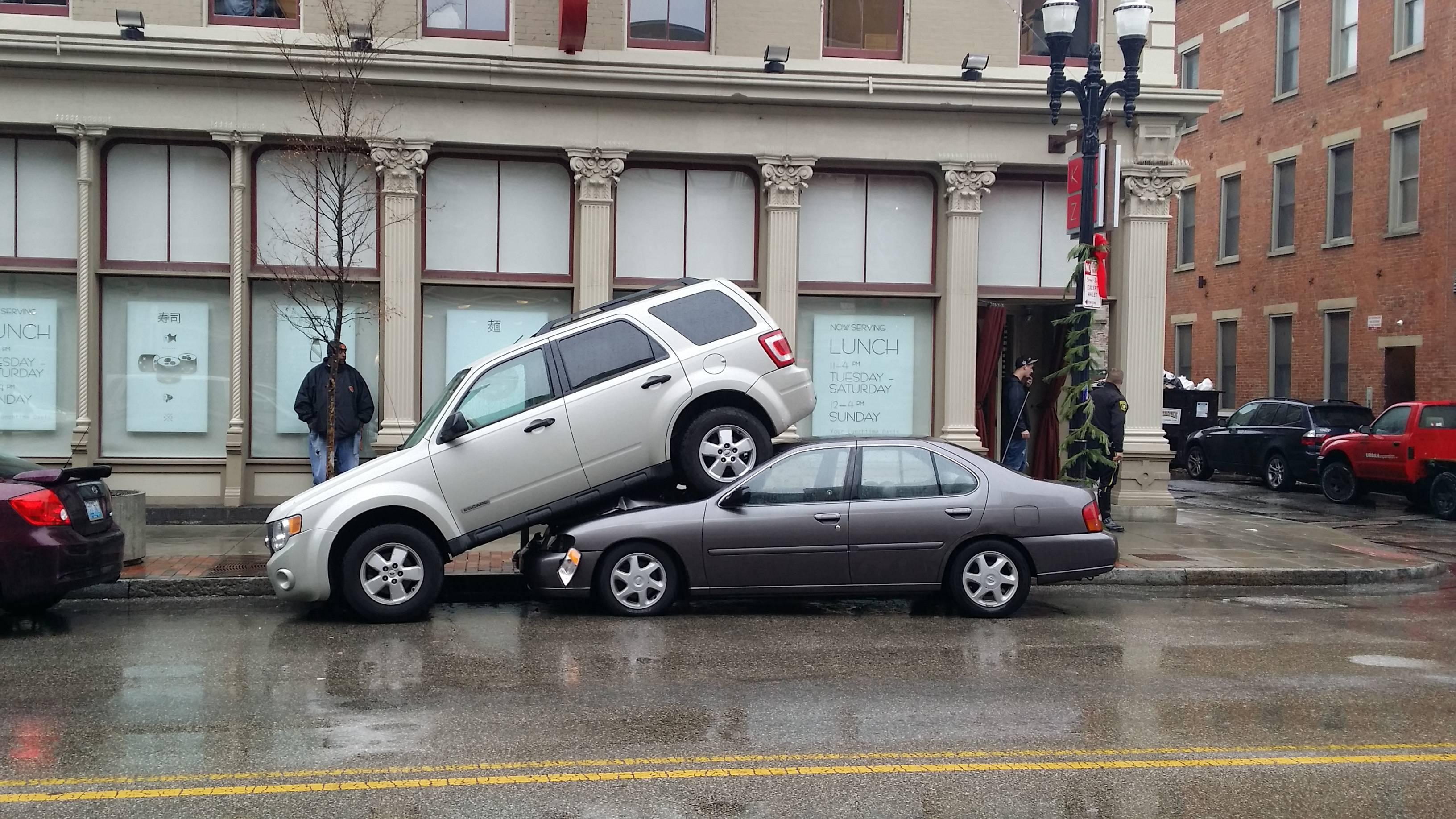Paralelno parkiranje – kako ga odraditi korektno (VIDEO)