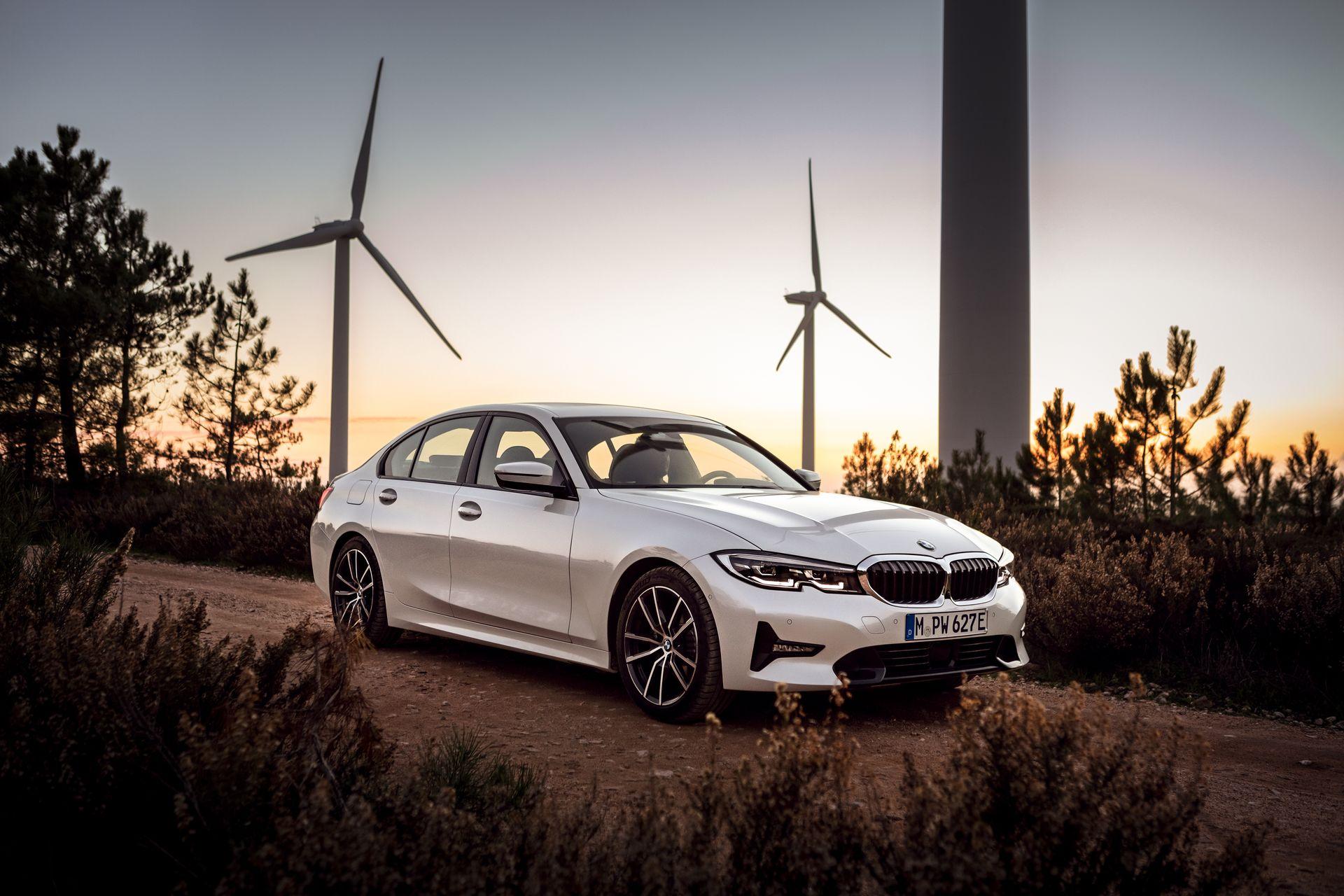 BMW obelodanio detalje u vezi sa novim 330e iPerformance modelom