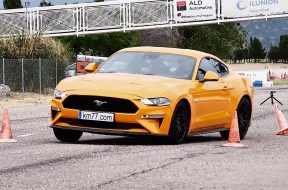 2018-ford-mustang-gt-moose-test