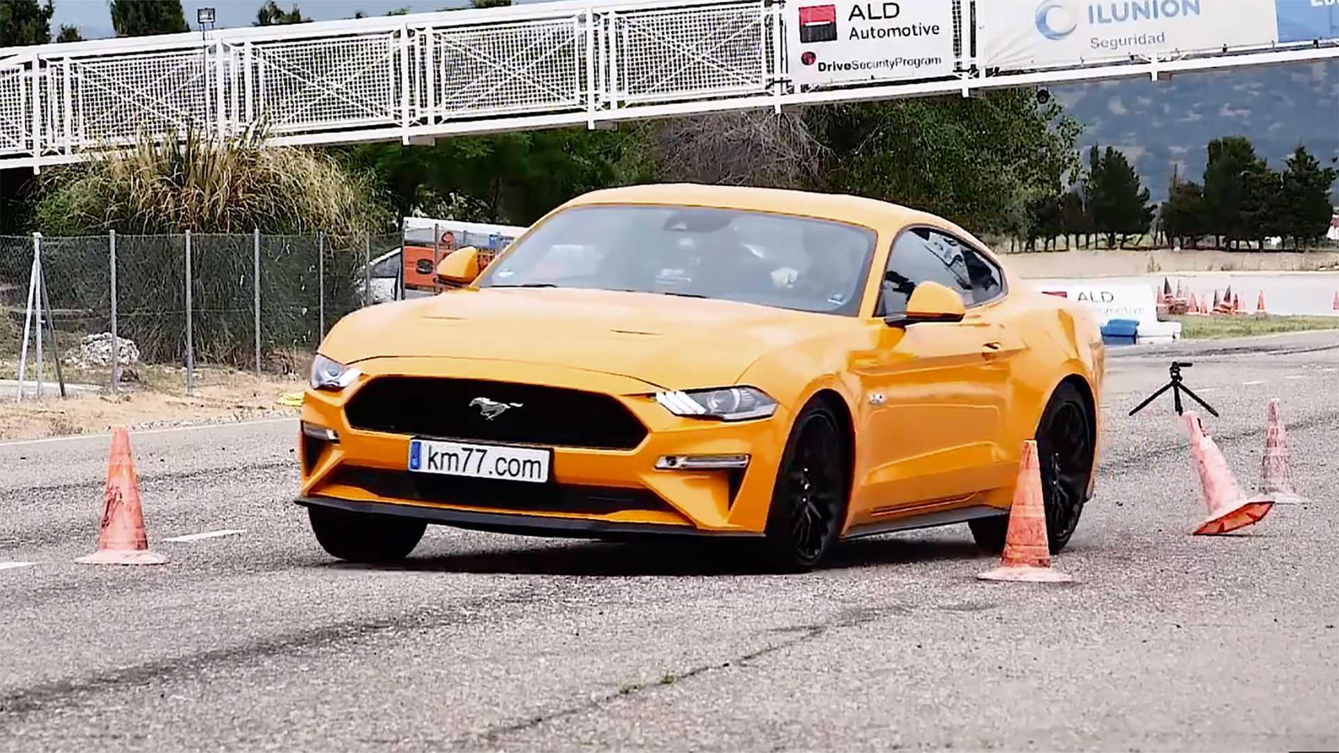 Ford Mustang GT juri 250 km/h nemačkim autobanom! (VIDEO)