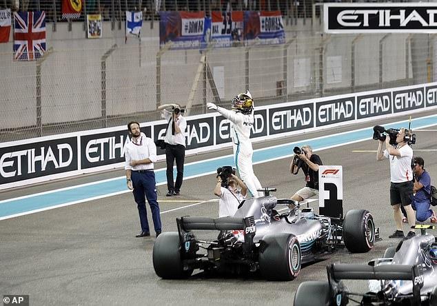 Luis Hamilton udara pečat sezone sa pol pozicijom u Abu Dabiju