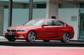 BMW-330i-sunset-orange-3-830×553