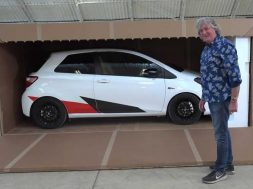 james-may-unboxes-toyota-yaris-grmn (1)