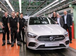 mercedes-benz-starts-production-of-new-b-class-in-germany-130407_1