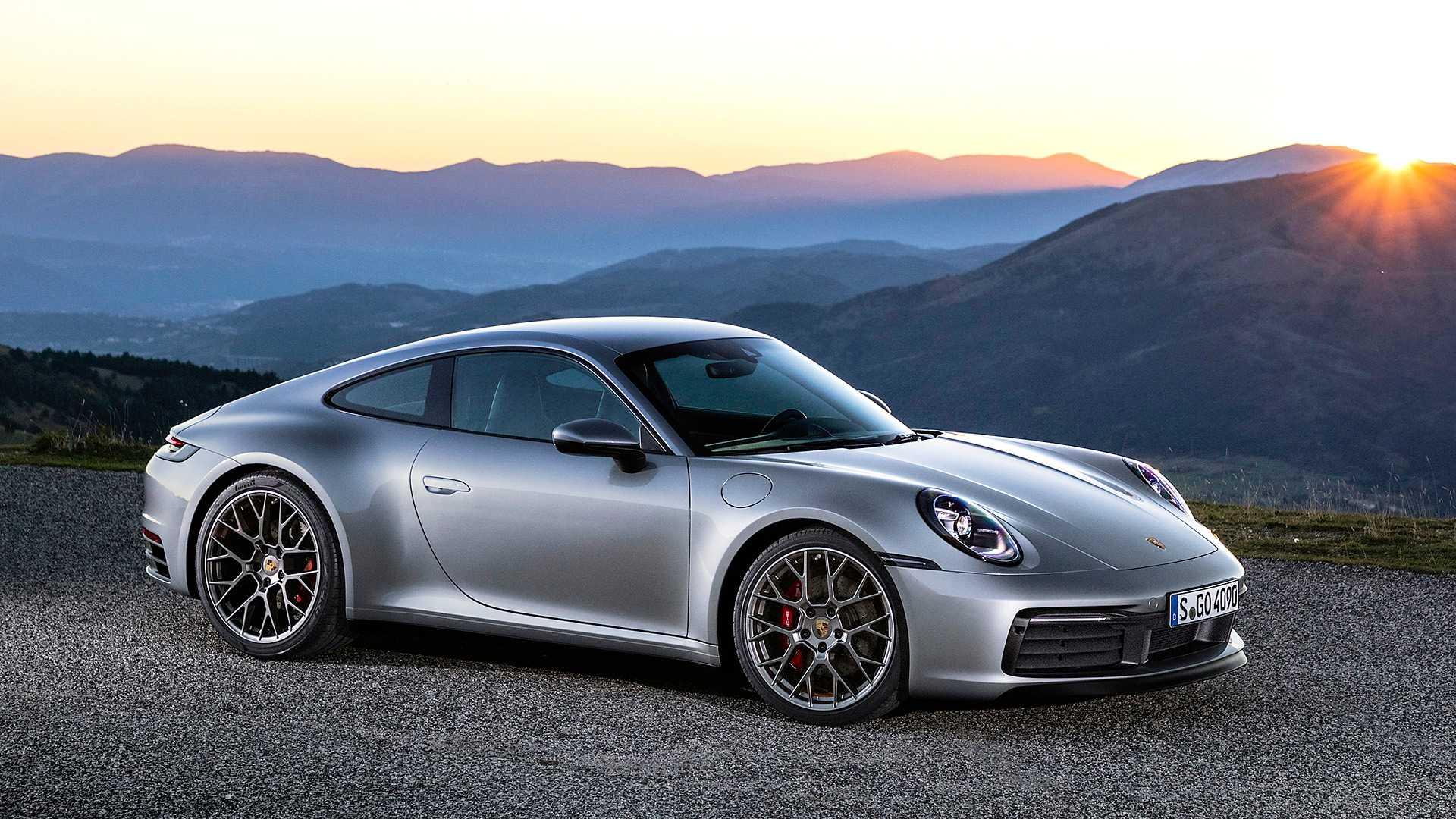 Porsche ipak neće u ponudu stavljati hibridni 911 dok se ne unapredi tehnologija baterija