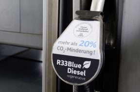 New regenerative R33 BlueDiesel fuel helps reduce CO2 emissions
