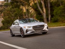 2019-genesis-g70-chosen-by-motortrend-as-car-of-the-year-131154_1