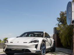 Porsche-electric-Taycan-2