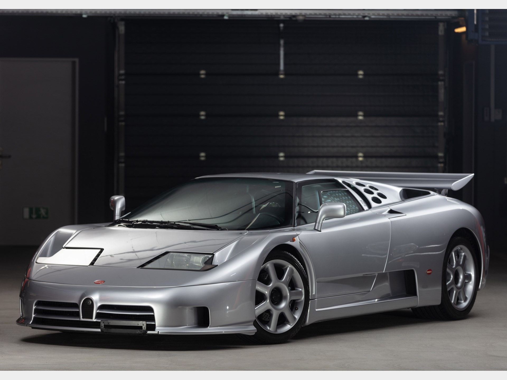 Bugatti EB110 SS na aukciji (GALERIJA)