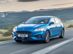 ford-boasts-sales-success-of-new-focus-in-europe-131269_1