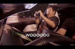 tesla-releases-roadster-ii-acceleration-reactions-video-passengers-seem-scared-130876_1