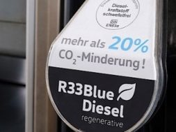 volkswagen-makes-its-own-biodiesel-plans-to-sell-it-as-green-premium-130650-7