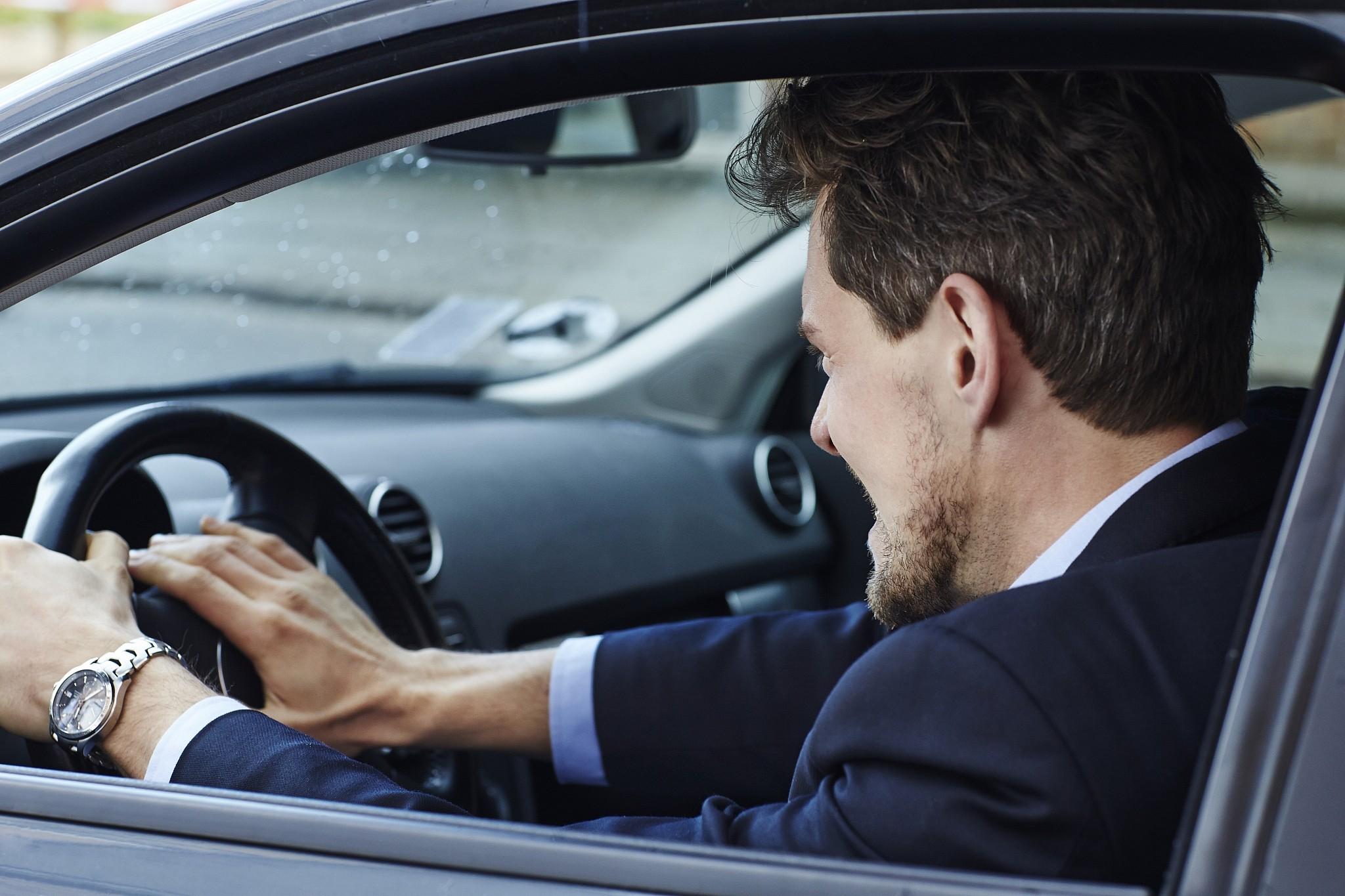 Kako obuzdati bes prilikom učešća u saobraćaju?