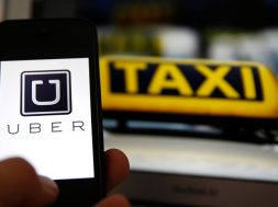 Uber-vs-Taxis[2]