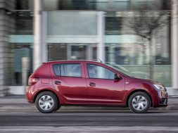 renault-sales-drop-in-2018-dacia-and-lada-jump-131739_1