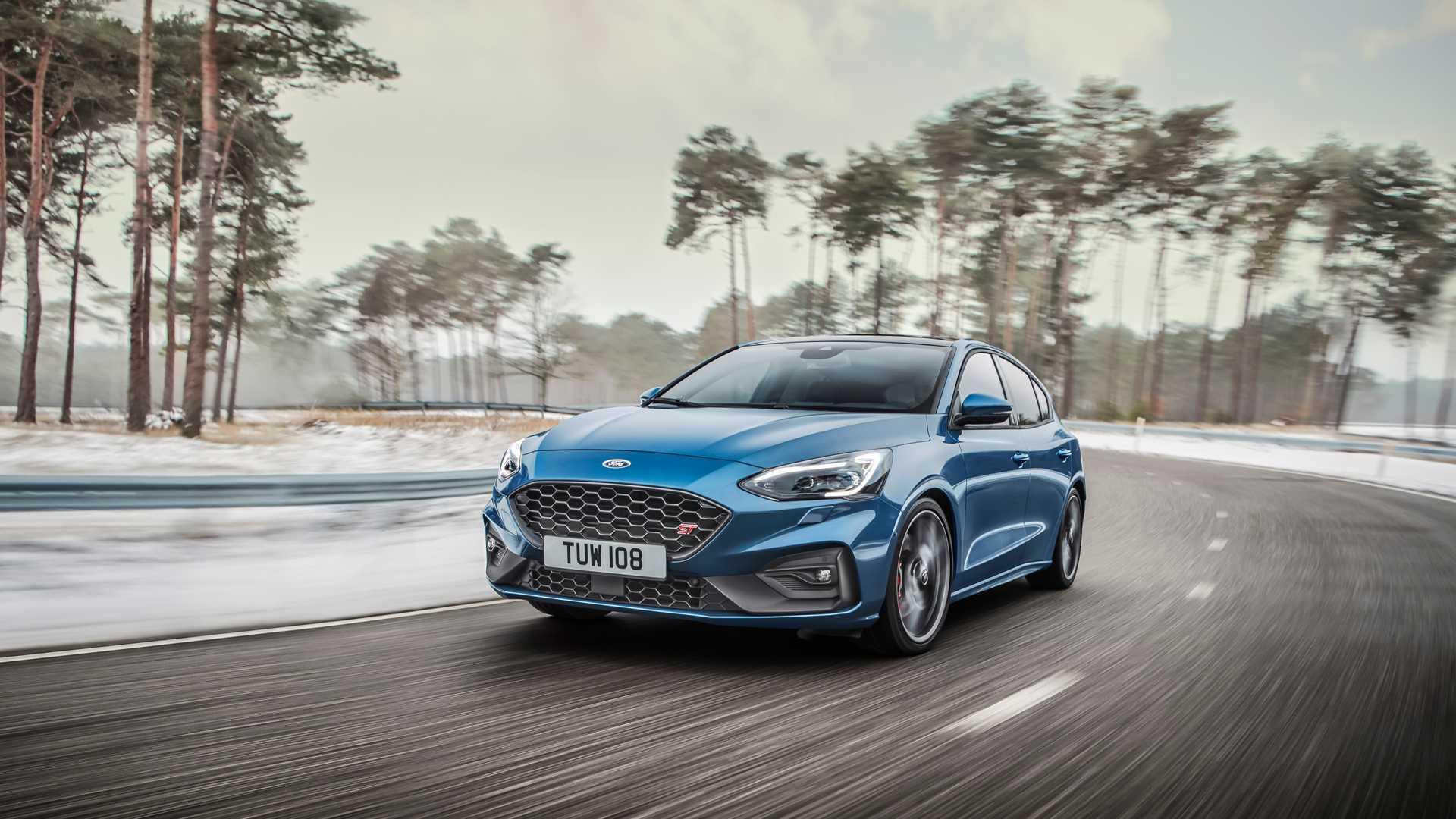 "Ford Focus ST spreman da ""pokaže mišiće"" VW Golfu GTI i GTD (GALERIJA)"