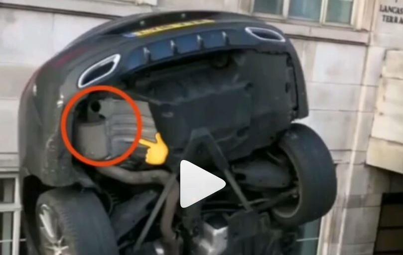 """Mercedes – spolja gladac a unutra jadac kada je """"auspuh"""" u pitanju"""