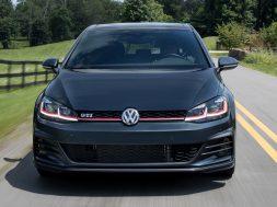 2019 Volkswagen GTI (2)