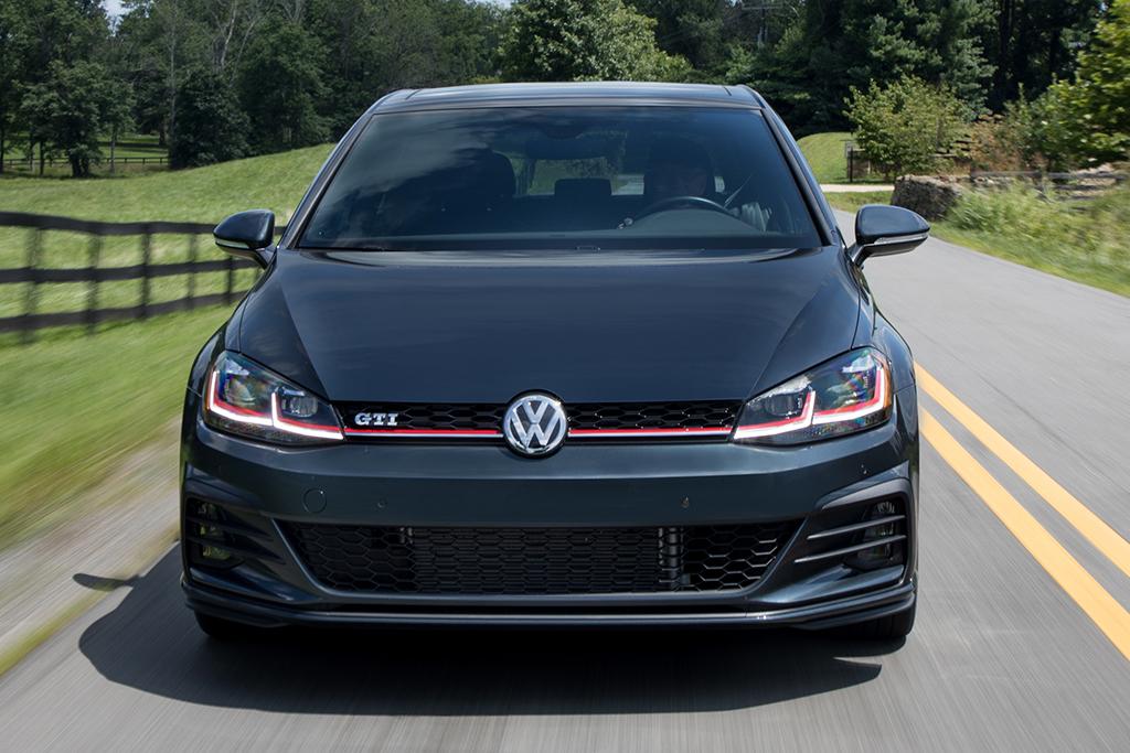 Volkswagen Golf GTI Performance u sprintu do maksimalne brzine (VIDEO)