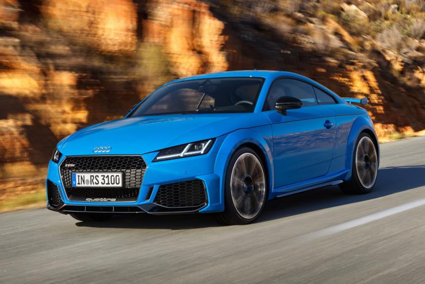 Audi TT RS u kupe i roudster verziji restilizovani