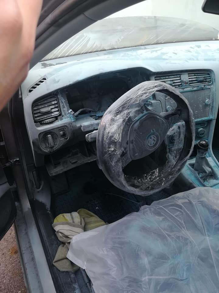 Neverovatno, u Hrvatskoj izgoreo potpuno nov VW Golf 7