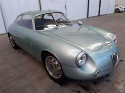 S1-une-alfa-romeo-giulietta-sz-cachee-depuis-35-ans-vendue-567-000-eur-579957