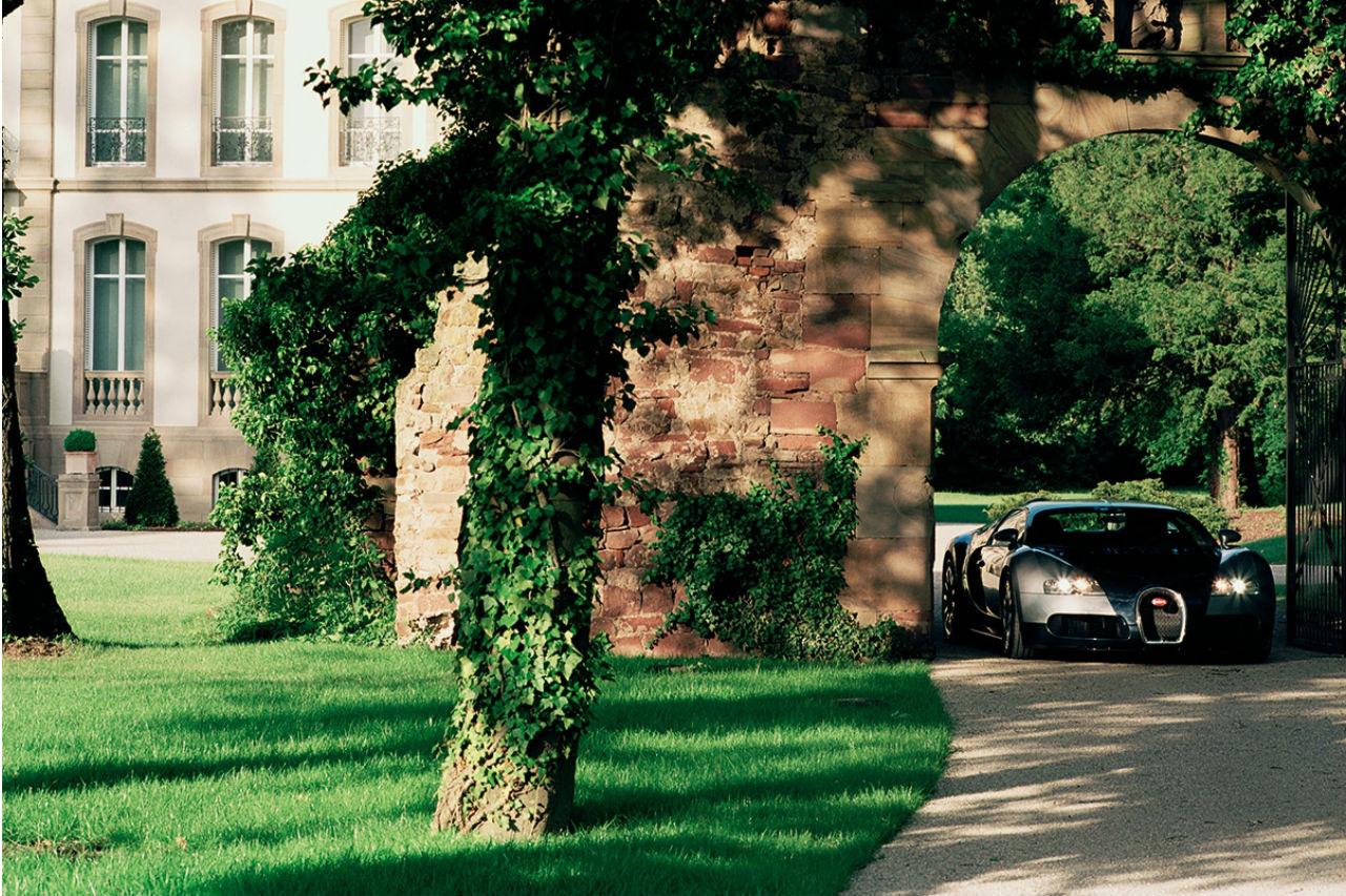 Nezaboravno iskustvo sa modelom Bugatti Veyron već od 5.000 evra