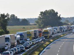 Salpetersäure läuft aus Tanker – Großeinsatz in Brandenburg
