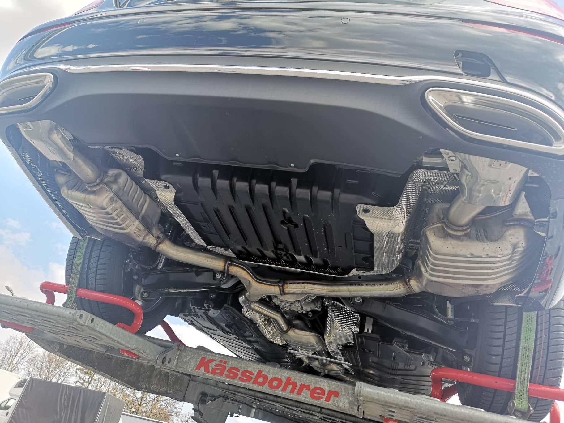 Mercedesu dojadile kritike na račun lažnih auspuha?