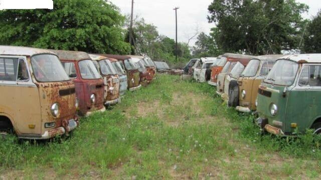 Kolekcija od 55 starinskih VW kombija na prodaju