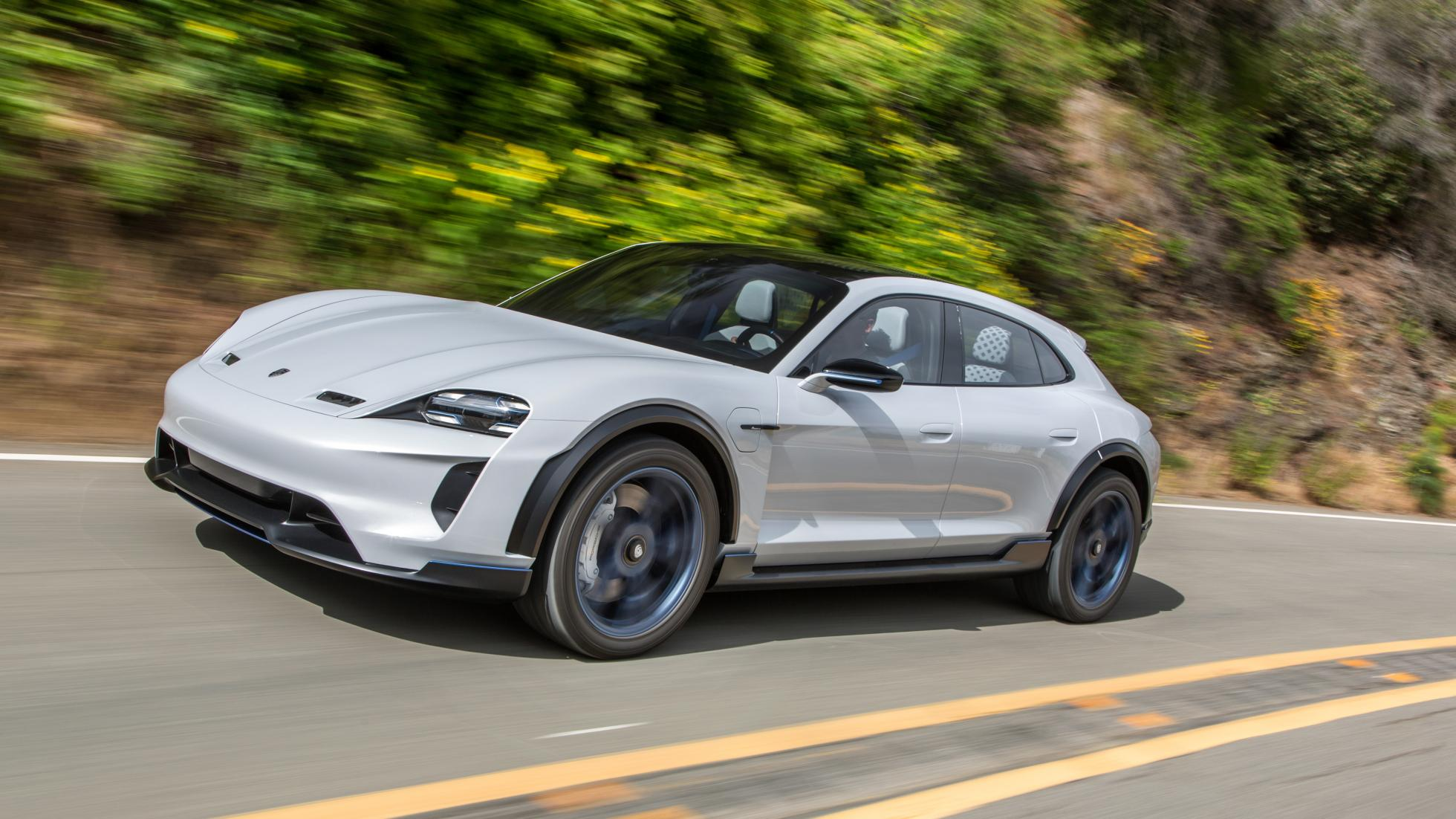 Porsche Taycan Cross Turismo stiže naredne godine