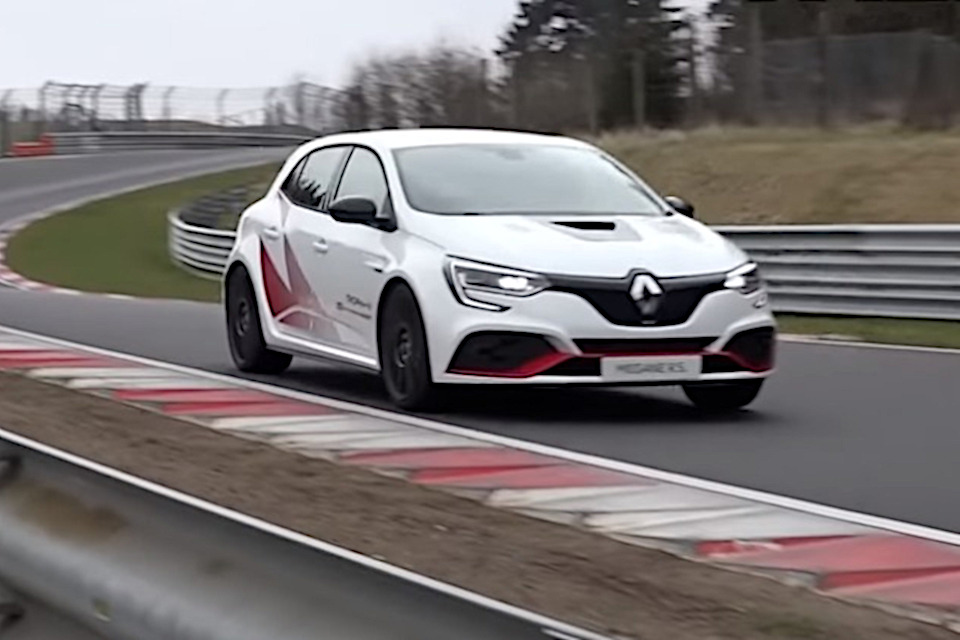 Novi Renault Megane RS Trophy-R bez maske na Nirburgringu (VIDEO)