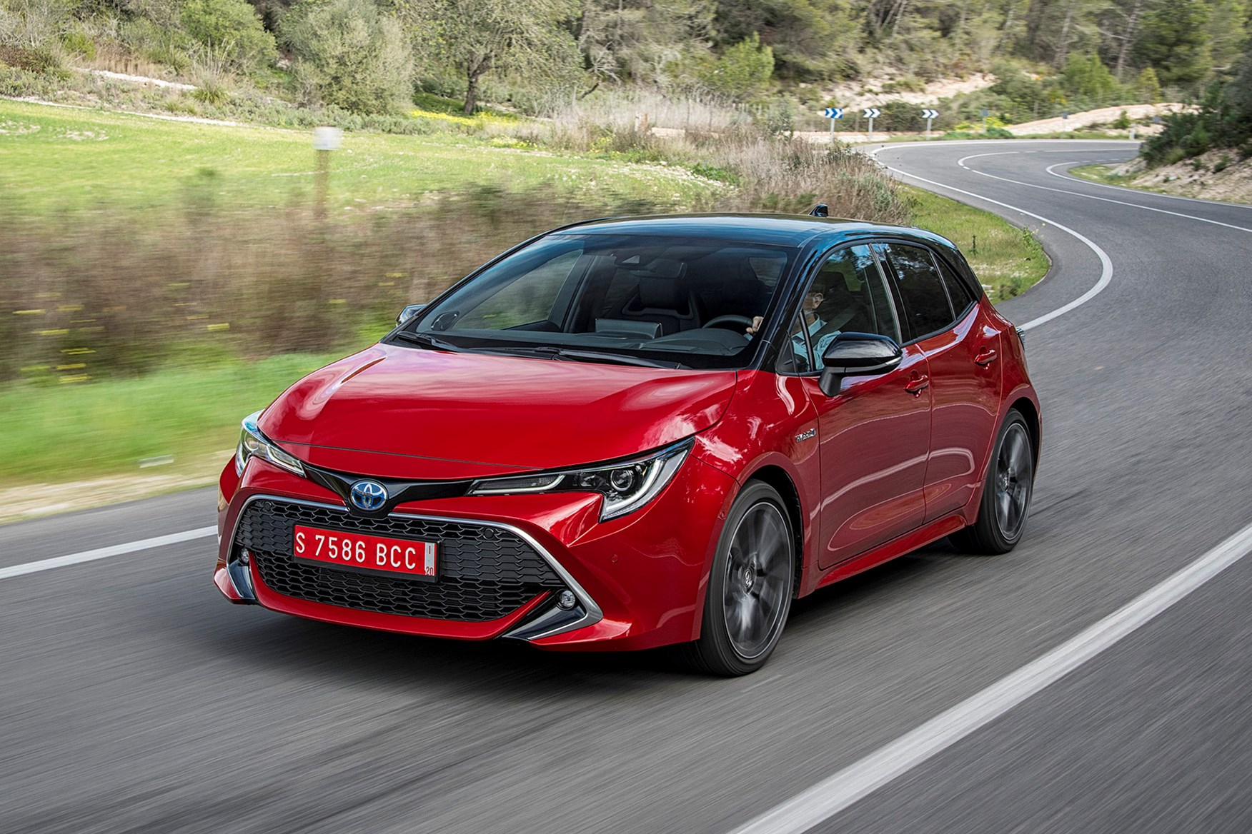 Toyota udvostručava hibridne opcije u novoj Corolli