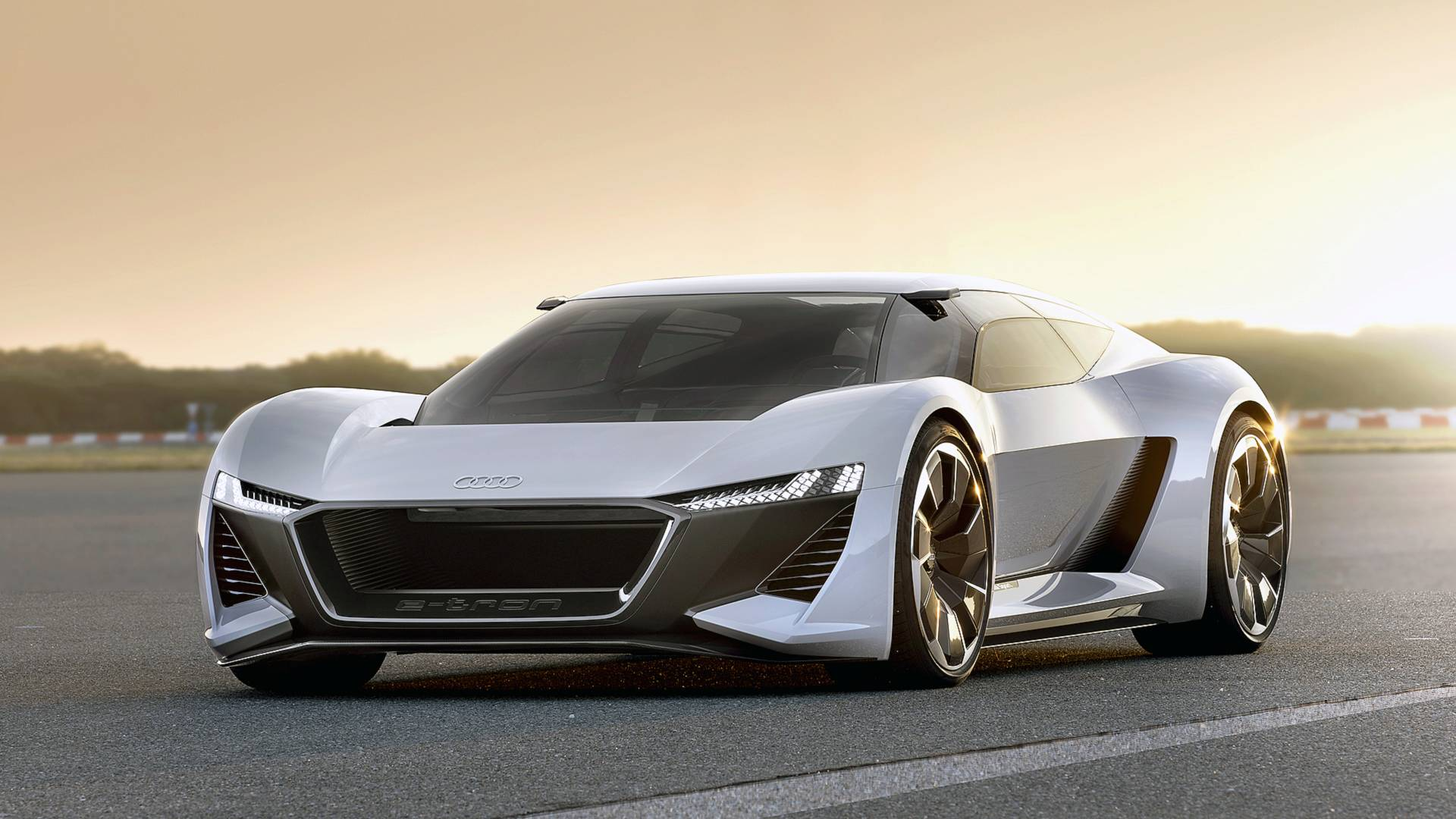 Audi E-Tron GTR zamenjuje R8 2022.?