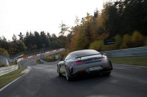 Der neue Mercedes-AMG GT und AMG GT R PRO: Nachgeschärft und noch agilerThe new Mercedes-AMG GT and AMG GT R PRO: Further honed and even more agile