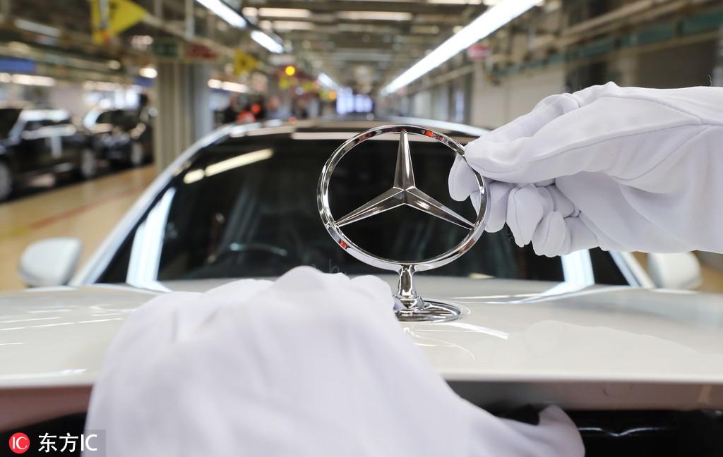 """Mercedes CLS300 """"zaribao"""" posle 10 km, diler odbio refundaciju, a to nije sve! (VIDEO)"""