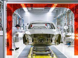 In der Region Moskau startet die Produktion für den lokalen Markt: Mercedes-Benz Cars eröffnet Pkw-Werk in RusslandProduction for the local market starts in the Moscow region: Opening of Mercedes-Benz Cars passenger car plant in Russia