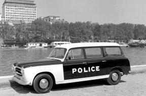 peugeot-403-familiale-police