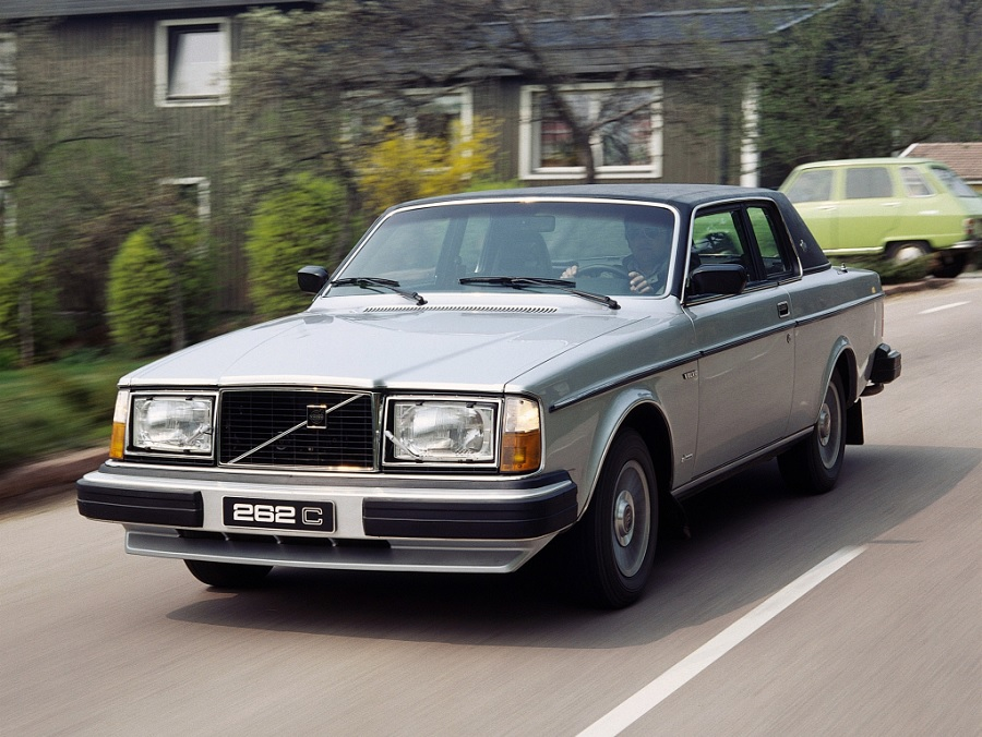 Zanimljivost dana: Prvi premijum kupe marke Volvo – 262C Bertone
